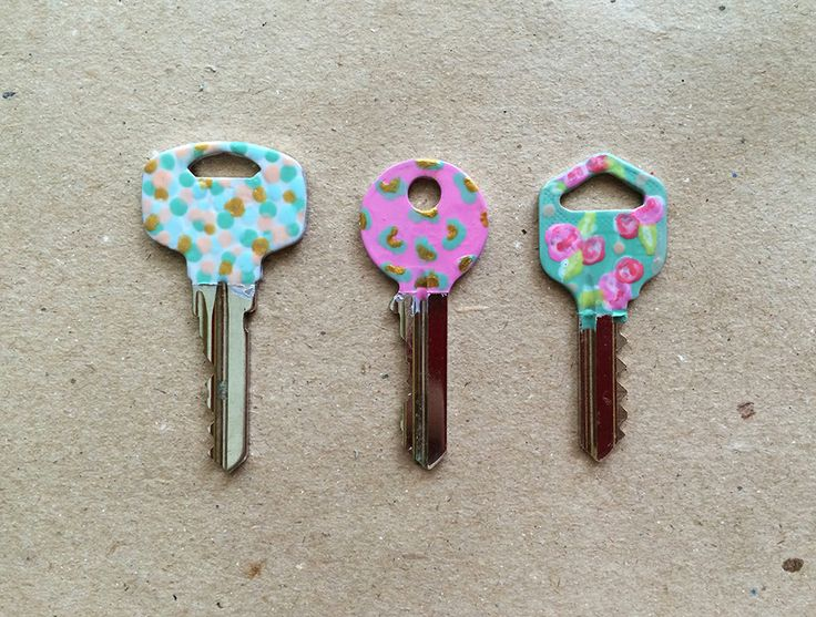 Why not spice up your keys by painting them with nail polish?