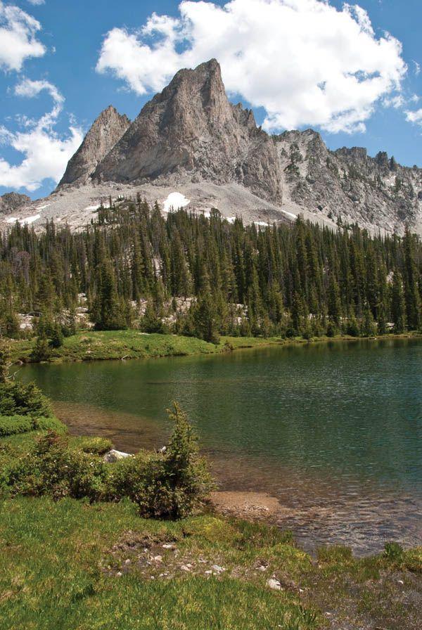 """Sun Valley, Idaho """"Slacktivities""""   Sun Valley Magazine #mountains #lake #idaho"""