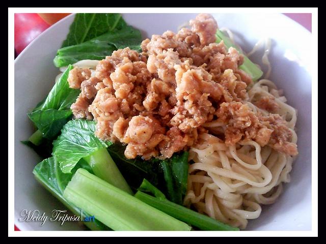 Bakmi Ayam Meeong by Pionamio, via Flickr
