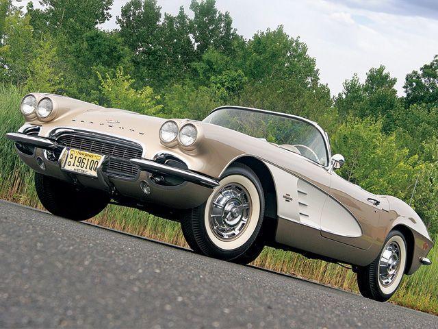 0806_corp_02_z 1961_chevrolet_corvette Front_angled