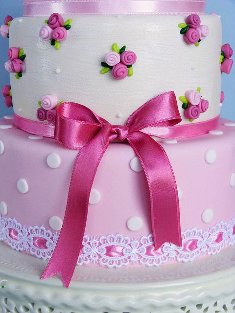 Shabby chic cake by bubolinkata, via Flickr