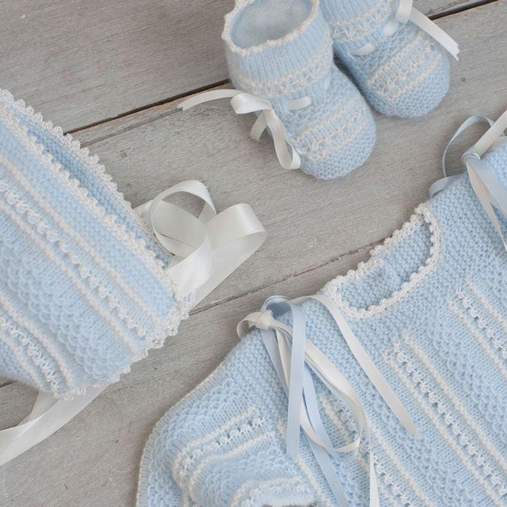 Conjunto primera postura azul bebe y blanco - ALittleDress