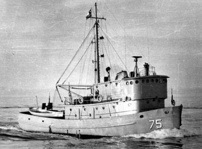 WPC 75 Marino Fuentealba, Botado al agua el 20 de abril de 1966, entregado oficialmente a la Armada el 02 de julio de 1966. El 19 de junio de 1998, en Punta Arenas, se dio de baja del servicio al patrullero WPC Marinero Fuentealba..