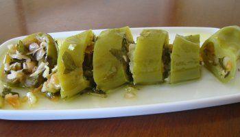 Πιπεριές τουρσί γεμιστές με λάχανο