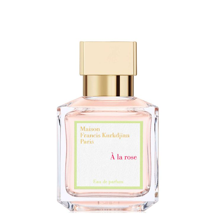 À la rose is an ode to femininity, a declaration of love captured in a fragrance. Two hundred and fifty precious roses from Grasse offer their radiance and their unmatched richness in every flacon. To