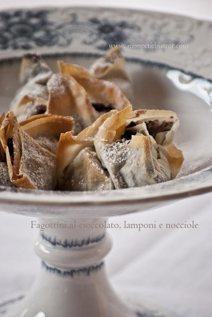 Fagottini di pasta fillo al cioccolato, lamponi e nocciole