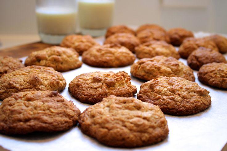 Golden oat cookies recipe at http://chelseawinter.co.nz/oat-cookies/