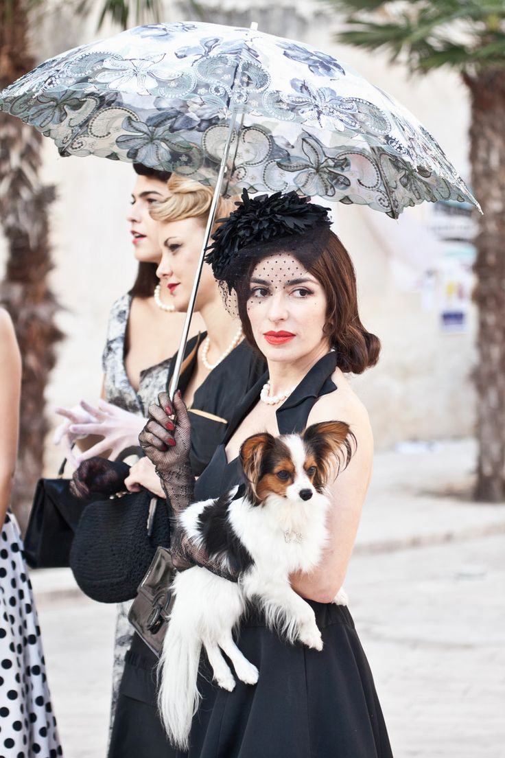 Sabrina Impacciatore interpreta Giuliana, in arte Queen Rose nel film diretto da Manuela Tempesta #paneeburlesque #film #cinama #burlesque