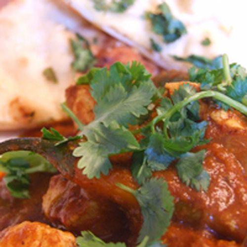 Indisk köttgryta där du kan använda lamm, nöt eller kyckling. Köp färdig Madras currypasta (fortsätt från punkt 2) eller gör egen, enligt receptet.