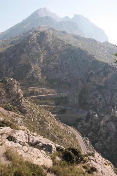 Sa Calobra, Mallorca    http://www.viajoa.ro/jurnale-de-calatorie/sa-calobra-%E2%80%93-minunea-de-la-capatul-drumului