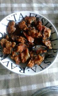 lericettediziasara: cozze ripiene fritte e al sugo (fried filled musse...