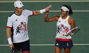 Great Britain's Heather Watson and Andy Murray celebrate defeating Spain's Carla Suarez Navarro and David Ferrer in the mixed doubles tennis competition at the 2016 Summer Olympics in Rio de Janeiro, Brazil, Thursday, Aug. 11, 2016. (AP Photo/Vadim Ghirda)
