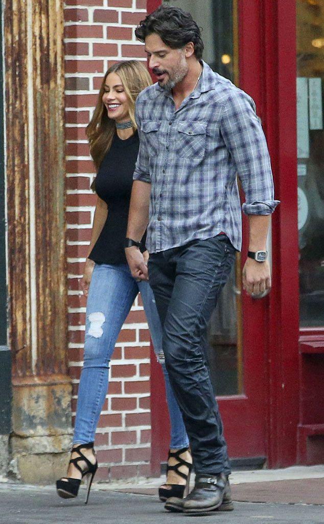 Joe Manganiello and Sofia Vergara strolling through Savannah…