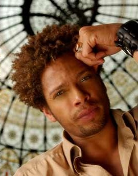 Gary dourdan, you ridiculously good looking man. I don't even mind your pirate-like accessories.