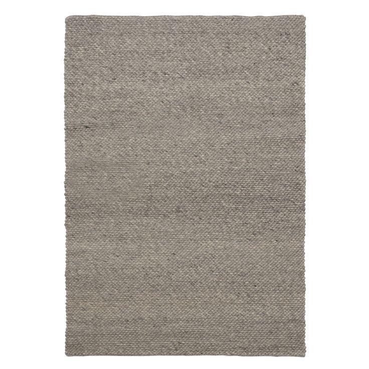 Handgemaakt vloerkleed Molino van 20% katoen en 80% wol. Voorzien van het Care & Fair label. Afmeting: 133x190 cm (bxl). Kleur: lichtgrijs. #kwantum #vloer #vloerkleed