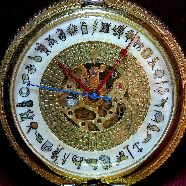 alethiometer--the golden compass