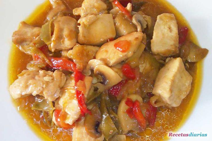 Cómo hacer Pollo agridulce. Receta casera típica del pollo agridulce que se pide en el chino. Deliciosa y muy fácil de cocinar.