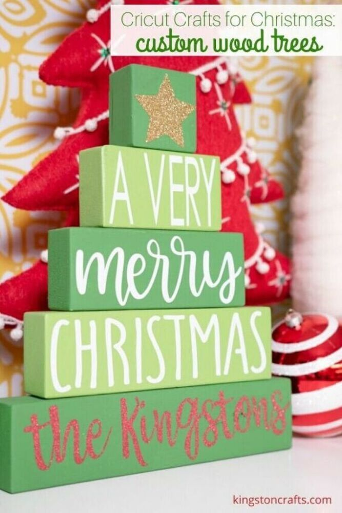 Christmas 2020 Signs DIY Cricut Christmas Projects Wood Signs in 2020 | Cricut crafts