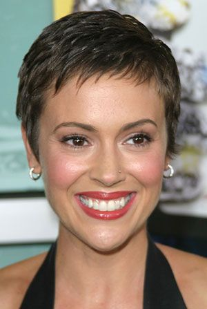 Alyssa Milano short hair with short fringe