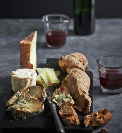 Recept: notenbrood met dadels en vijgen - JAN Magazine