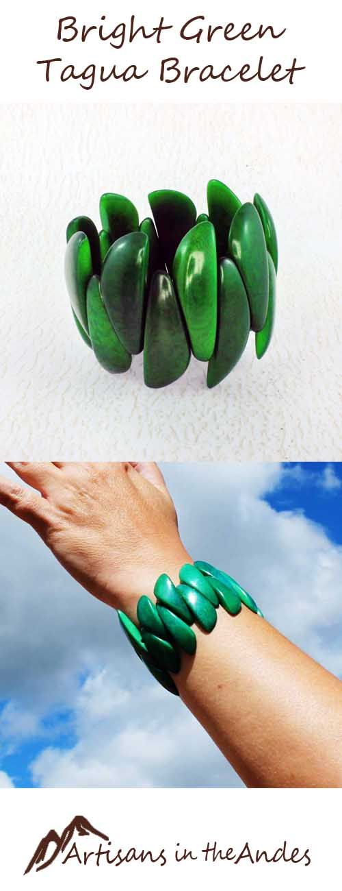 Vivid and stylish, this green tagua bracelet will become your go-to bracelet. Its made highly polished, long tagua beads that give it a unique look. No other bracelet will be identical to this one. #fairtrade #fairtradefashion #fairtradejewelry #fairtradegifts