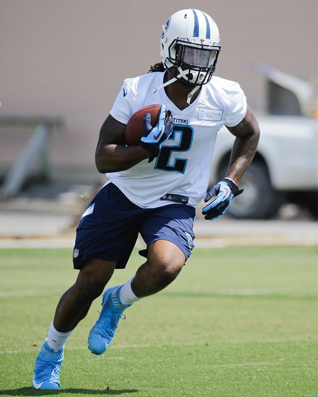 Derrick Henry makes his debut at the Titans' OTAs.