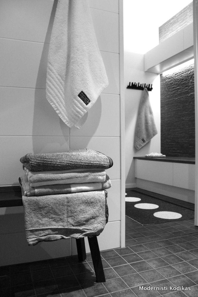 kylpyhuone / pukkar