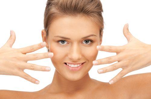 7 ways to encourage healthy fingernail growth - http://www.urbanewomen.com/7-ways-to-encourage-healthy-fingernail-growth.html