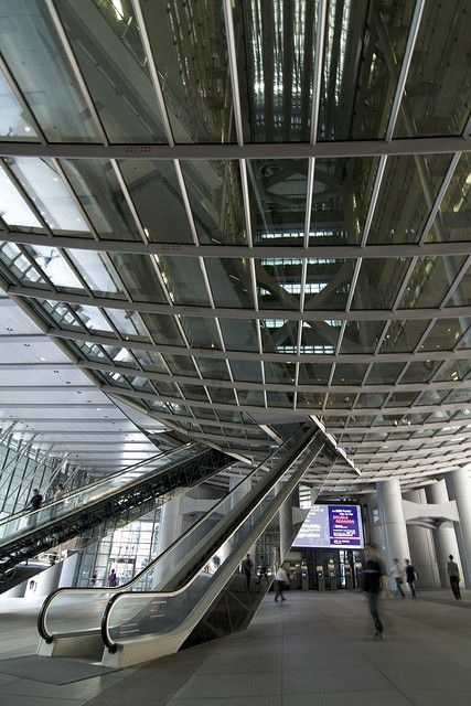Norman Foster, HSBC building  #Foster #Norman Pinned by www.modlar.com