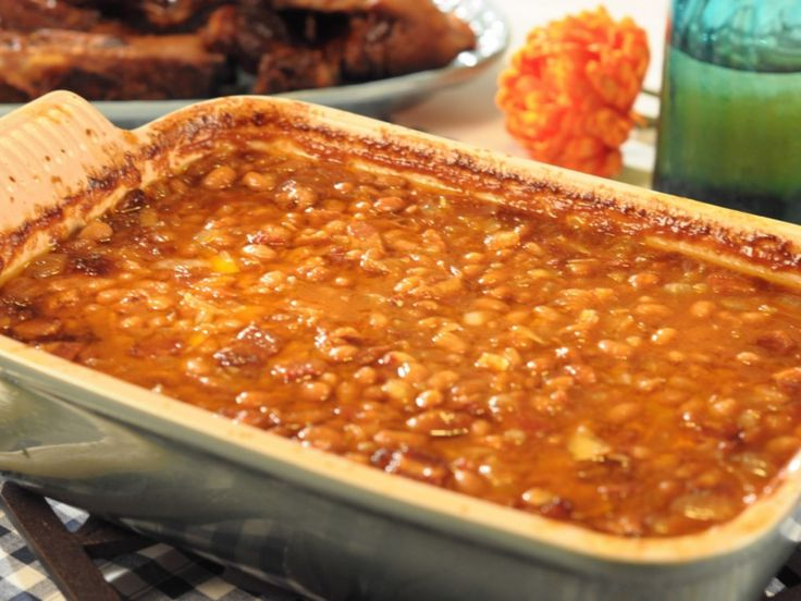 Easy Baked Beans | Bacon | Vidalia Onion | Molasses | Brown Sugar | Yellow Mustard | Trisha Yearwood Food Network | Michele Baked Beans