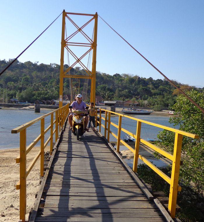 Bridge to Nusa Ceningan. Photo by Electra Gilies.