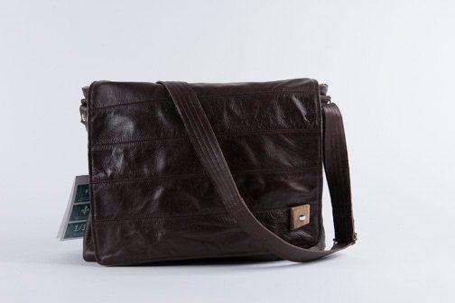 EN SOLDE Sac à ordinateur portable en cuir pour homme par VEINAGE, $245.00