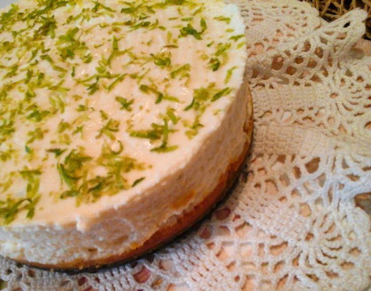 Nem csak Hófehérke álmodozik ilyen finomságról! A lime a nyári sütemények kiváló kiegészítője, friss, fanyar az íze. Egyszerű sajttorta, sütés nélküli...
