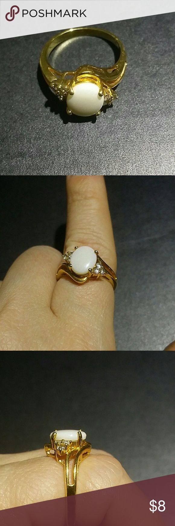 Gold opal ring Gold plated opal imitation not sura about size maybe 7 Vintage Jewelry