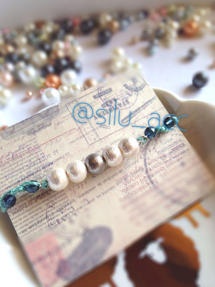 Cotton pearl with Swarovski bracelet