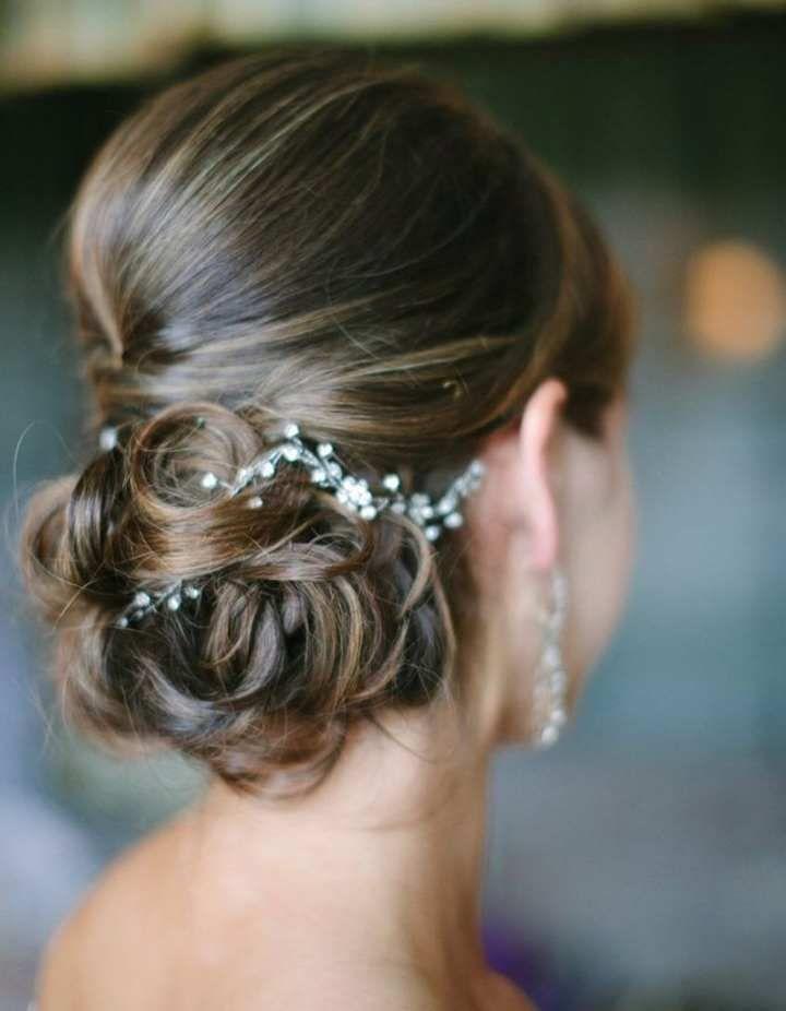 Inspiration Cheveux Releves Beaute Forum Mariages Net Chignon Mariee Chignon Mariage Jolie Coiffure