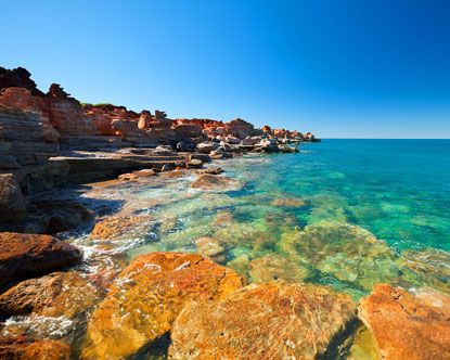 Pearl divers, camel riders, Europeans, Natives and Asians create an amazing melting pot of cultures in a peerlessly beautiful setting. Clear blue waters, rugged rocky scapes and golden sand provide the backdrop fro the perfect holiday. Broome Western Australia