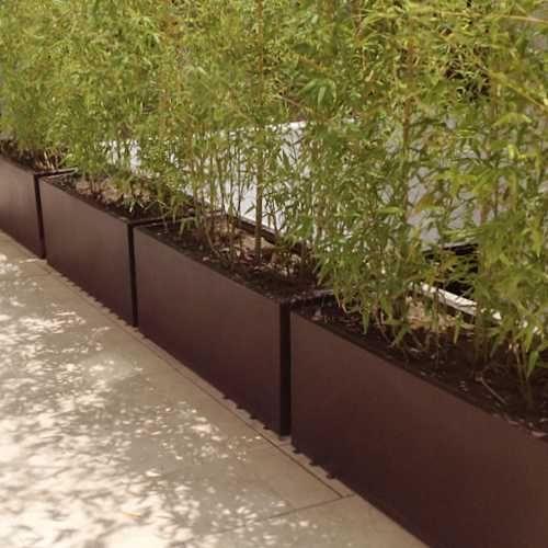 Jardineras macetas minimalistas de fibra de vidrio meue for Jardineras para patio casa