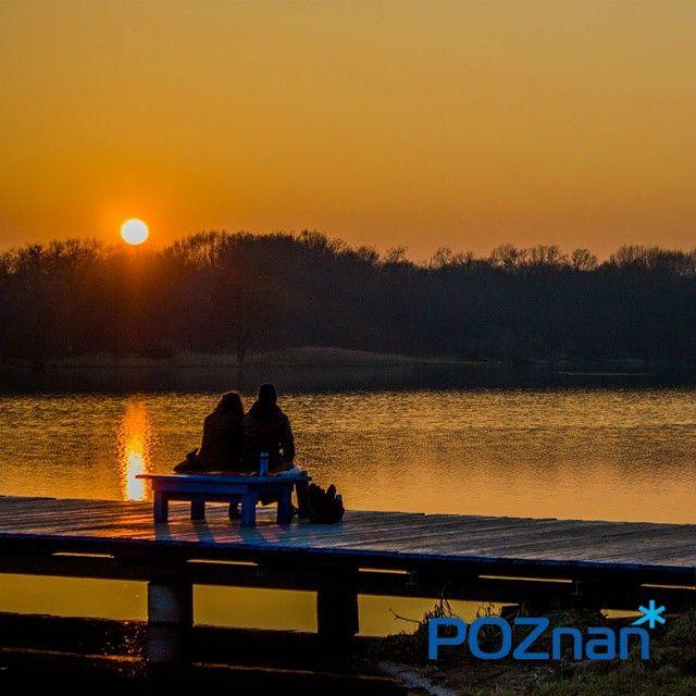 """""""Zimowy zachód słońca #poznan #sunset #lake  #nofilter #sky #instalove #jezioro #plaza #amazing #worthtosee #beautiful #miasto #rusałka"""""""