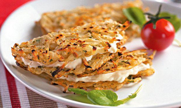 Tortilha de batata com requeijão. | 15 receitas que provam que requeijão sempre cai bem