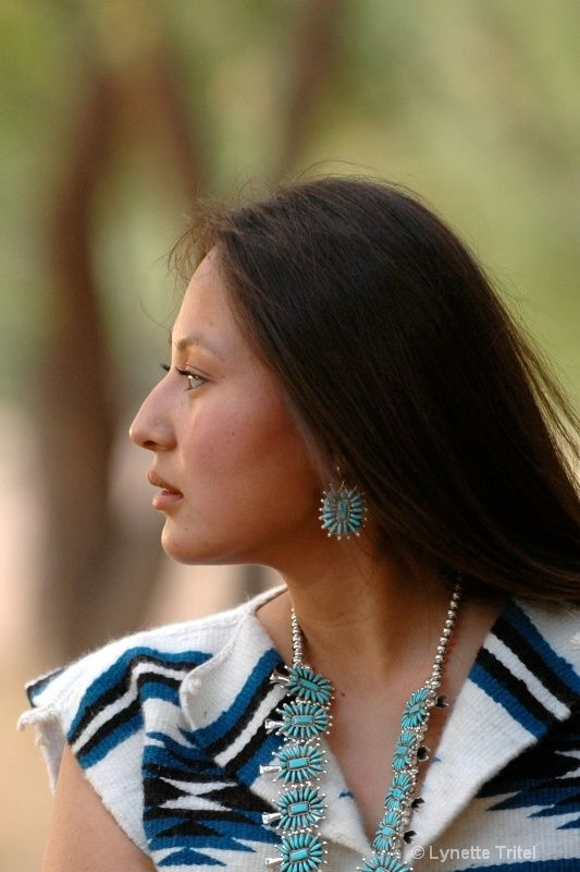 Single real native american women