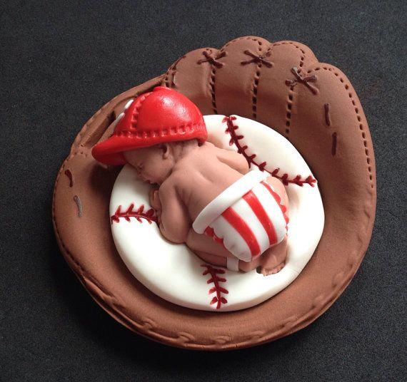 Fondant baby boy 3D Cincinnati Reds equipo pastel de cumpleaños, babyshower, cumpleaños