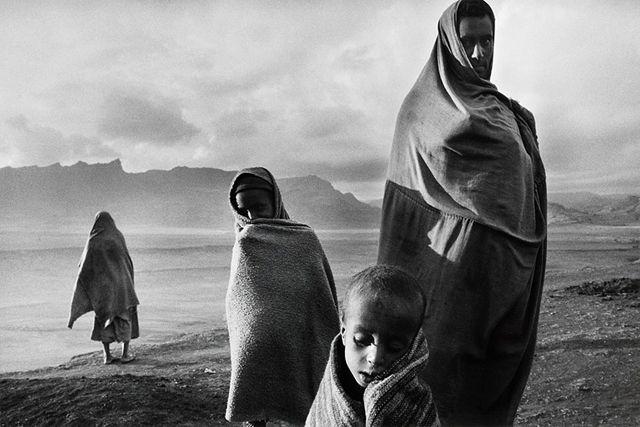 コレム難民キャンプ, エチオピア 1984 > セバスチャン・サルガド (Sebastião Salgado)