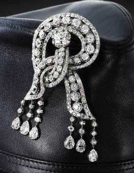 Diamonds given to queen Victoria in the shape of the letter R for Rosemary.  It's meant for me! <3R