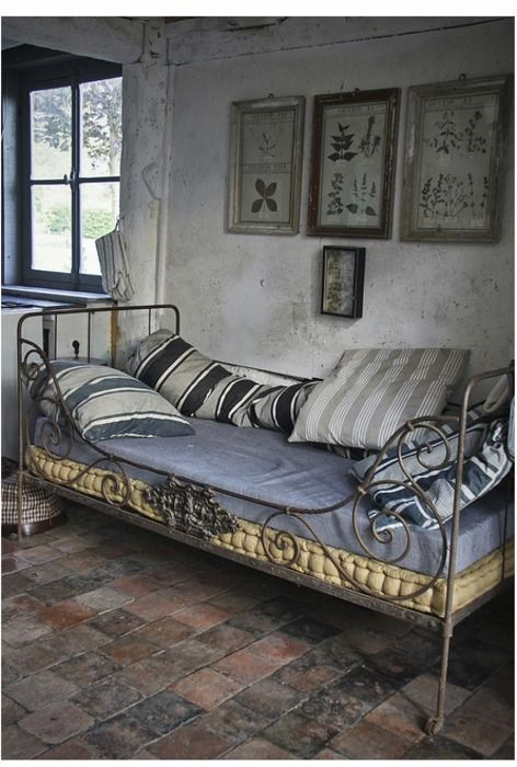 37 best camastros images on pinterest iron couches and beds for French farmhouse bed