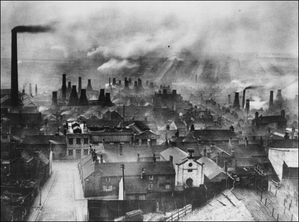 Bottle Kilns in Hanley - 1930