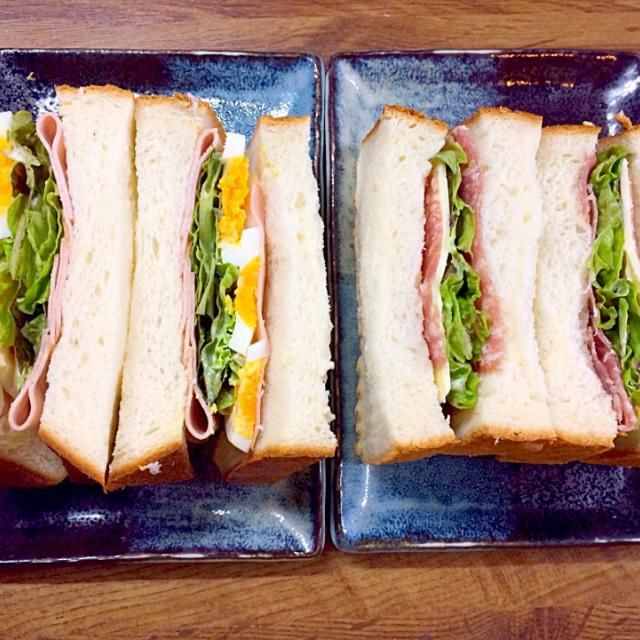 久しぶりのセントル角食パンで作ったサンドイッチはふわふわ〜 - 13件のもぐもぐ - ハム卵レタスサンドとサラミチーズレタスサンド by belltree921