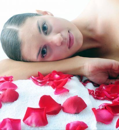 Ponete linda en la comodidad de tu casa. Si no podés hacerte tiempo para ir al spa, llevá el spa a tu casa. http://www.parati.com.ar/belleza/tratamientos/converti-tu-casa-en-un-salon-de-belleza/16181.html