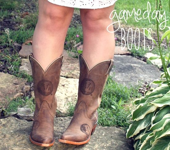 Florida State Cowgirl Boots from College Boots http://lapetitefashionista.blogspot.com/2013/08/gameday-glam-in-college-boots.html