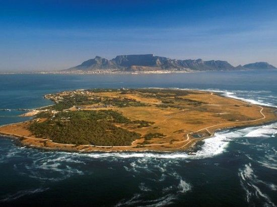 Experience Robben Island | http://www.rhinoafrica.com/blog/2013/07/11/day-township-tours-with-rhino-africa/
